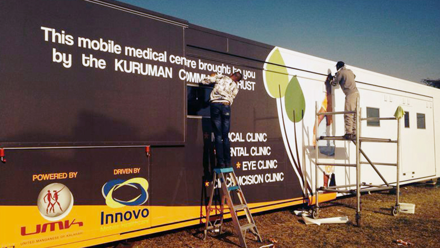 Curves 10Innovo Mobile Clinic Healthcare Clinic_Patient in procedure room